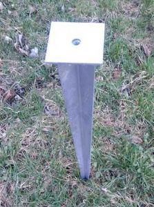 Zatloukací trn / patka s plochou 100x100mm, závit M12, délka 600mm