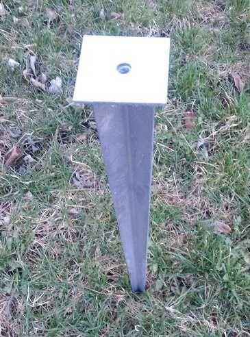Zatloukací trn / patka s plochou 100x100mm, závit M12, délka 750mm