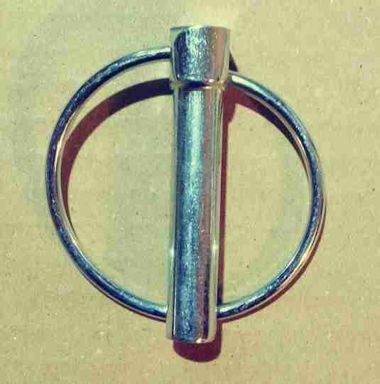 Závlačka s kruhem 9x45mm