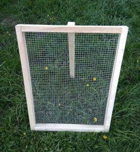 Katrovačka - prosévačka oko 8mm  ( rám 100x80 cm )